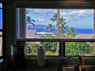 Sweeping Ocean Views; Private High End Condo!, Wailea