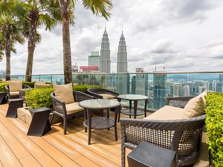 Cozy 2BR for 4-8 pax 3 minutes walk to Pavilion & KLCC