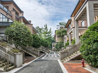 Carefree & Spacious Villa in Qingcheng Mt.