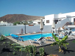 VILLA PARALYTEL IN PLAYA BLANCA FOR 8P