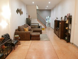 Udomsuk 4BR – 8 People 5 min to BTS