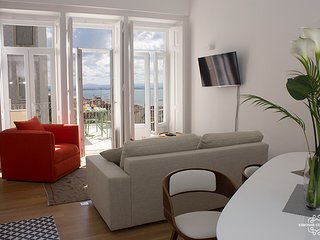 Ap32 - Amazing 3 bedrooms apartment with large terrace and river view, Graça