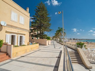 Apollo, apartment facing the beach, Marina di Ragusa