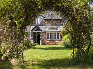 Chulmleigh Fish Cottage - English Country Cottage