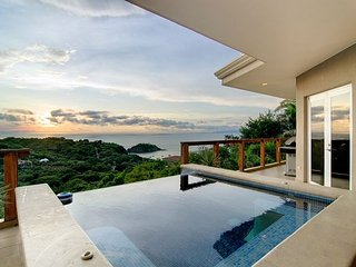 Beautiful Cliffside House - Magnificent Views of Playa Ocotal & Papagayo Gulf