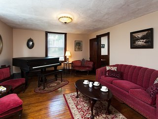 5BR Pocono Victorian - Near River, Whitewater & Bike Trails!
