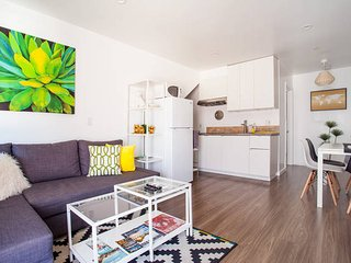 Modern 2Br 2Ba w/Patio/Parking