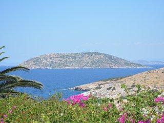 Overlooking paradise cosy maisonette