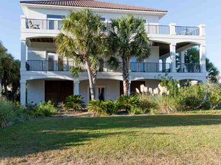 Laguna Key Subdivision with Outdoor pool, Elevator, Wifi, BBQ | Free golf, fishi