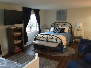 1BR, 1BA Edgecomb Condo in Sheepscot Harbour Resort - Steps from the Water