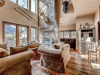 The Bells: 5BR, 5BA Frisco House With High-End Finishes Near 4 Ski Resorts