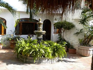 Moorish-style quiet oasis retreat in the old town