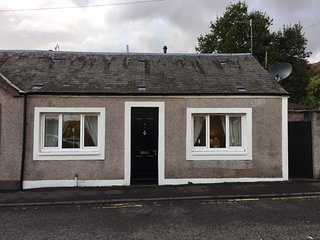 Self Contained Scottish Cottage, Tillicoultry