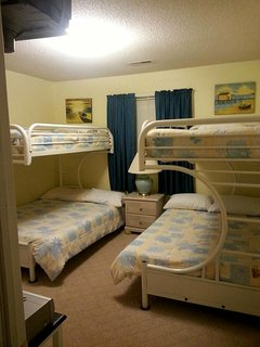 2nd BR: bottom full beds, top twin beds