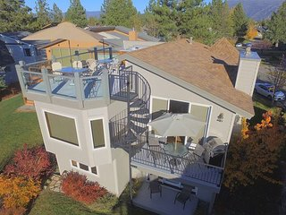Waterfront Vista - New! Rooftop Hot Tub, Private Boat Dock, Great Year Round, South Lake Tahoe