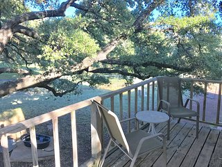 Pets Welcome! Private 3 acre fenced-in retreat, Round Rock