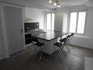 Grand appartement 5mn à pied centre Périgueux (6p), Perigueux
