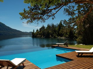 Luxury Private Villa Lake Front Bariloche