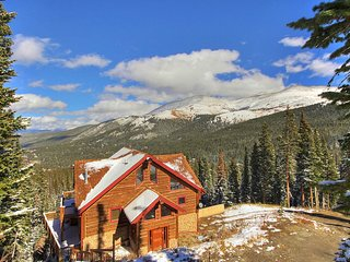 NEW! 3BR Breckenridge Home w/Mountain View Hot Tub