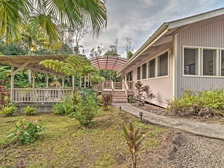 !'Hale Mala'3BR Keaau Home on Lush Acre of Land