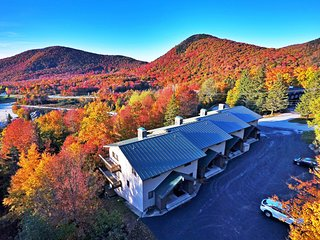 Killington Ski-In/Ski-Out Townhouse w/ Mtn. Views!