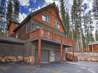 5BR Breckenridge Duplex w/Quiet Setting!
