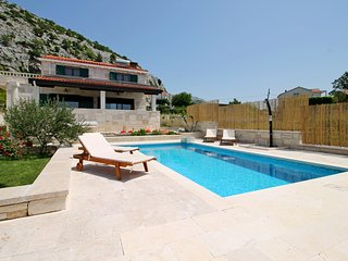 Villa Runje-Secret paradise in mountain, sea views