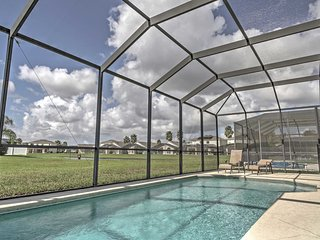 Lakeside 5BR Kissimmee Villa w/ Private Pool!