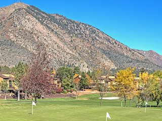 2BR Flagstaff Townhome w/Deck - Walk to Golf Course