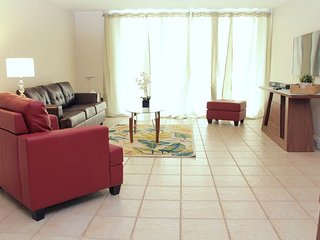 Upscale 1 Bedroom Apart--Millionaires Row, Miami