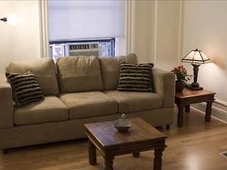 Furnished 1-Bedroom Apartment at Columbus Ave & W 88th St New York, Nova York