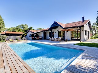Elegant New Villa with Pool, Cap-Ferret