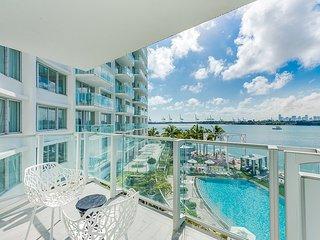 SoBe Deluxe Suite Bay view Balcony Condo, Miami Beach