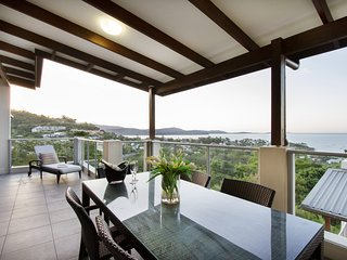 Oscar's View - Airlie Beach