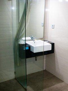 Big bathroom with Walk-In shower