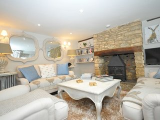 42146 Cottage in Bourton-on-th, Upper Oddington