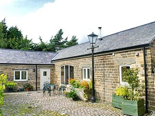 PK752 Cottage in Holmesfield, Lidgate
