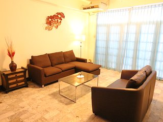 **DELUXE Spacious Town HOUSE IN CHIANG MAI CITY **