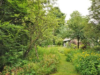 37034 Cottage in Kington