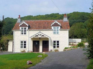 MENDI House in Clevedon, West Wick