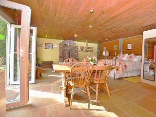 43298 Log Cabin in Leek, Endon