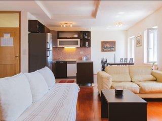 Luxury apartment in center, Makarska