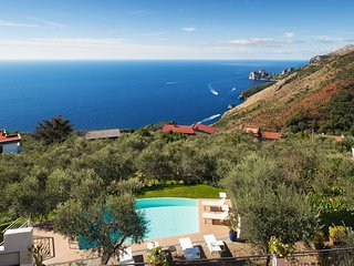 Villa Chez Piè. Gorgeous Villa. Pool, & Sea views