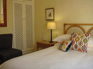 Studioat9 a relaxing pleasant self catering kitchen and bedroom en suite unit