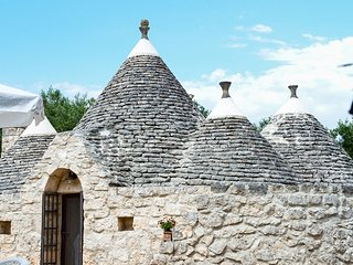 Trullo Felice - for a family of 4 - wifi free - sea at 20' drive
