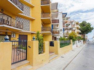 Amplio Apartamento a 3 mn playa del Carregador fresco y luminoso
