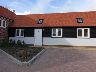 4 ABBEY VIEW HOLIDAY COTTAGE, Battle
