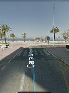 Comienzo de la calle Castella-Lleo en el Paseo Maritimo