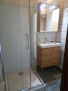 Salle de bain avec douche 80x80