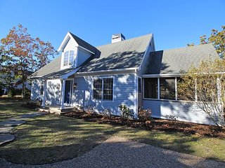 Beautiful New Listing in Bold Meadow with Air Conditioning, Edgartown